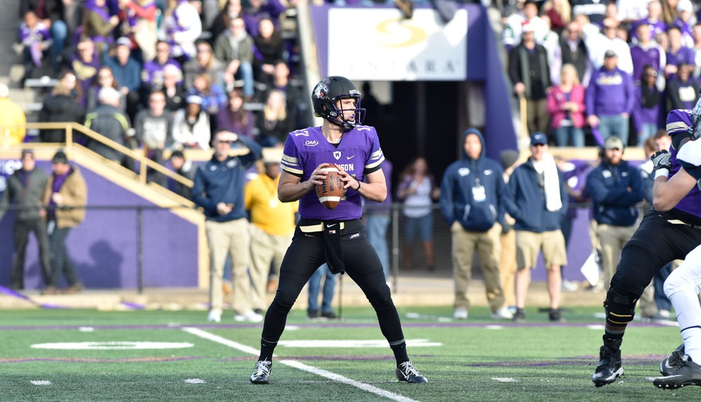 JMU 55, NEW HAMSPHIRE 22: Bryan Schor (below) tied the school record with 5 TD passes and the Dukes (11-1) scored 49 points in the middle quarters to beat the Wildcats (8-5) in an FCS second-round playoff game. Schor threw for 371 yards, fifth most in JMU single-game history, on 30-for-37 passing. JMU, which earned a first-round bye, advanced to the FCS quarterfinals for the fifth time. (Photo Courtesy JMU Athletics)
