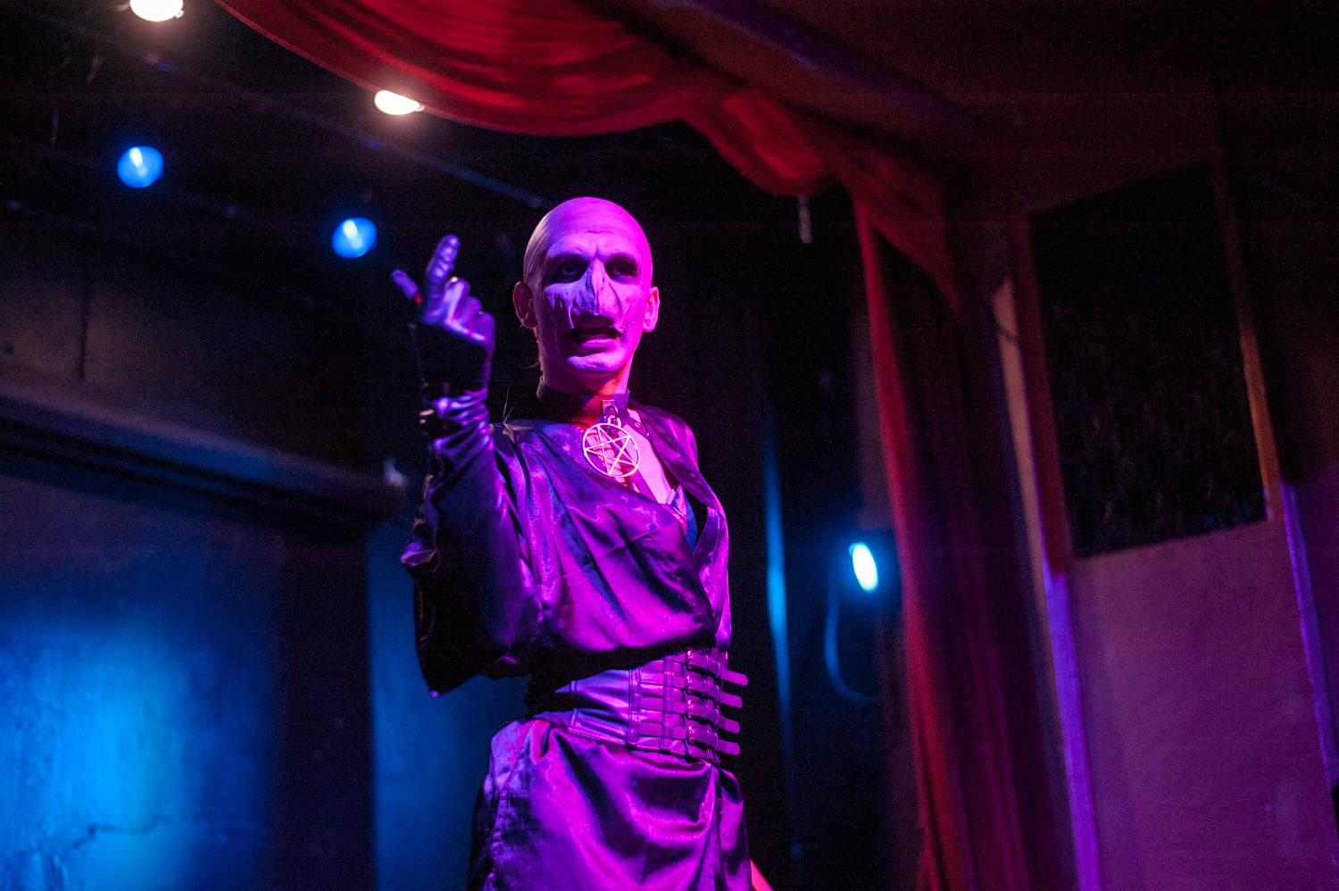 "The Rendezvous and IDK What Productions hosted a two-day Drag Show series dedicated to Harry Potter. We attended Saturday's 'Drag Against the Dark Arts' show - and were NOT let down. You're a DIVA, Harry! The events were hosted by newby drag queens{&nbsp;}Stasia Coup and Killer Bunny, and featured Bosco and Cranberry. Find the next Rendezvous show{&nbsp;}<a  href=""https://www.therendezvous.rocks/"" target=""_blank"" title=""https://www.therendezvous.rocks/"">online</a>! (Image: Elizabeth Crook / Seattle Refined){&nbsp;}"