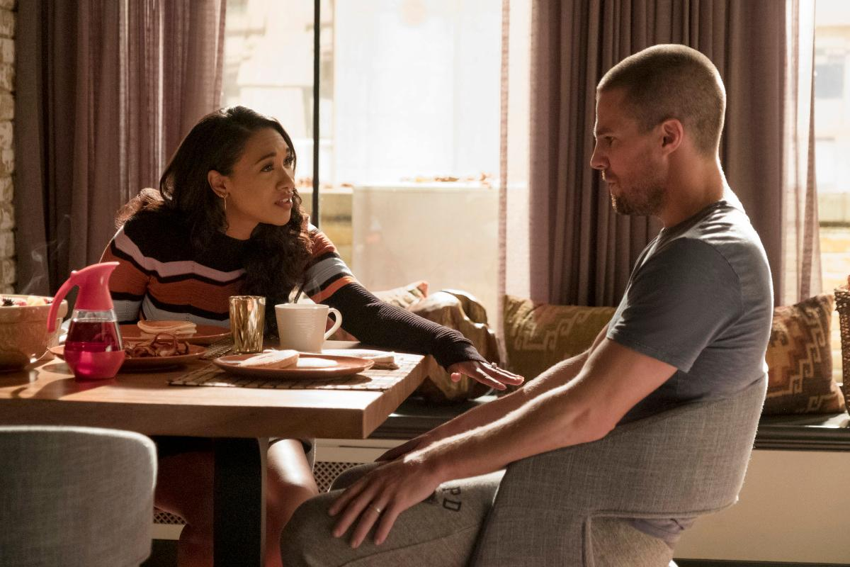 "The Flash -- ""Elseworlds, Part 1"" -- Image Number: FLA509c_0113r.jpg -- Pictured (L-R): Candice Patton as Iris West - Allen and Stephen Amell as Barry Allen/The Flash -- Photo: Katie Yu/The CW -- �© 2018 The CW Network, LLC. All rights reserved"