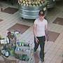 Kennewick Police searching for 2 shoplifters