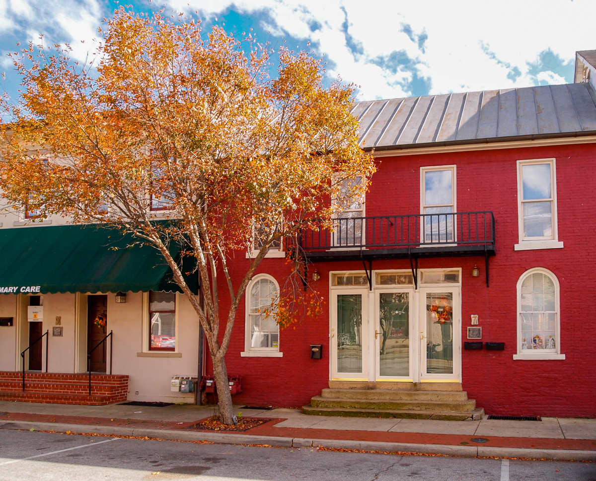 Ripley, Ohio: where there's no shortage of historic architecture. Or autumnal color. (Image: Sherry Lachelle Photography)
