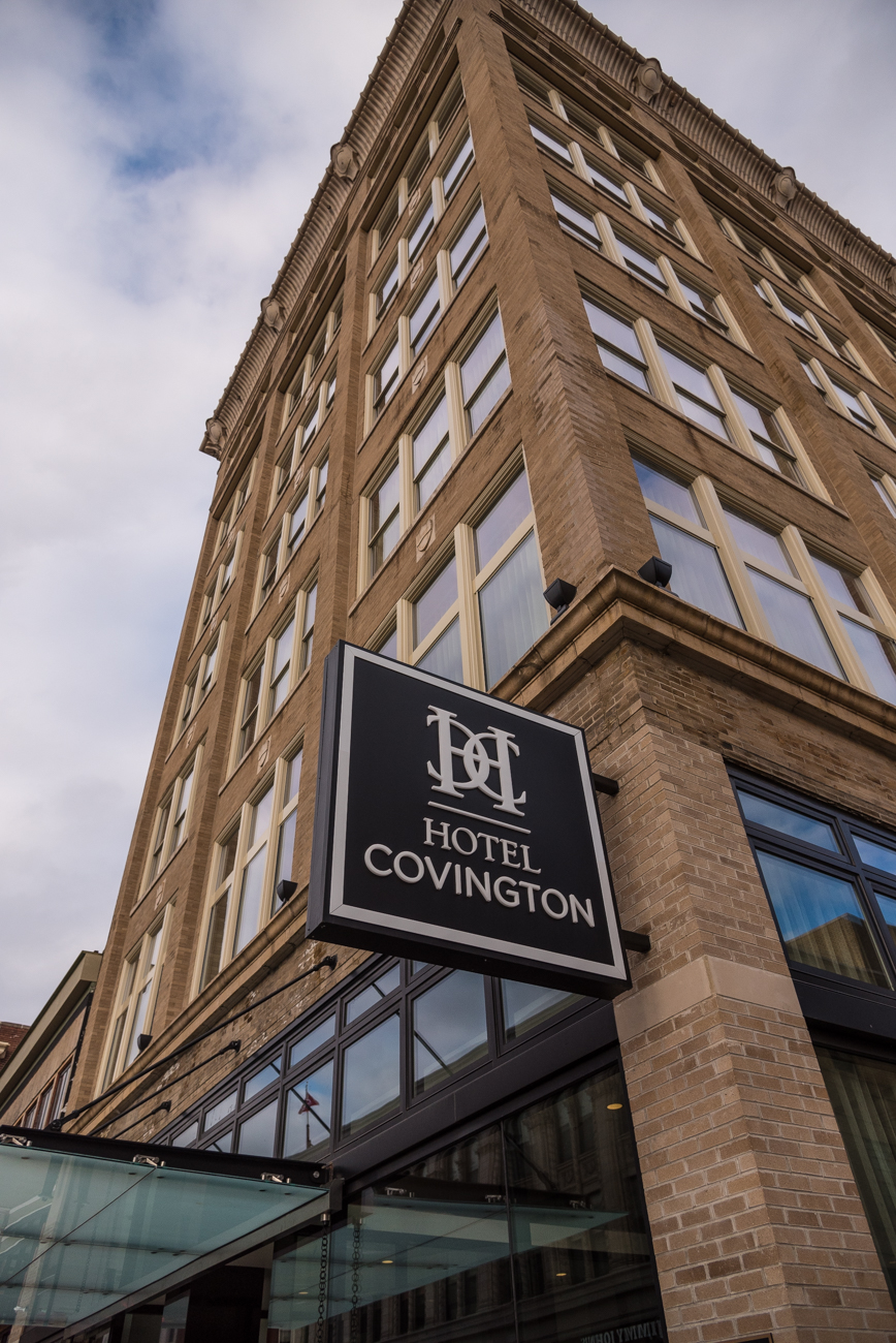 Hotel Covington is a new, seven story, 114-room boutique hotel located in Kentucky's first skyscraper, the former Coppin's Department Store. Filled with unique furniture that boasts a style reminiscent of a department store, Hotel Covington is a tribute to both preservation of Covington history and the concierge of a new era for the building. ADDRESS: 638 Madison Avenue, Covington, KY 41011 / Image: Phil Armstrong, Cincinnati Refined // Published: 12.15.16