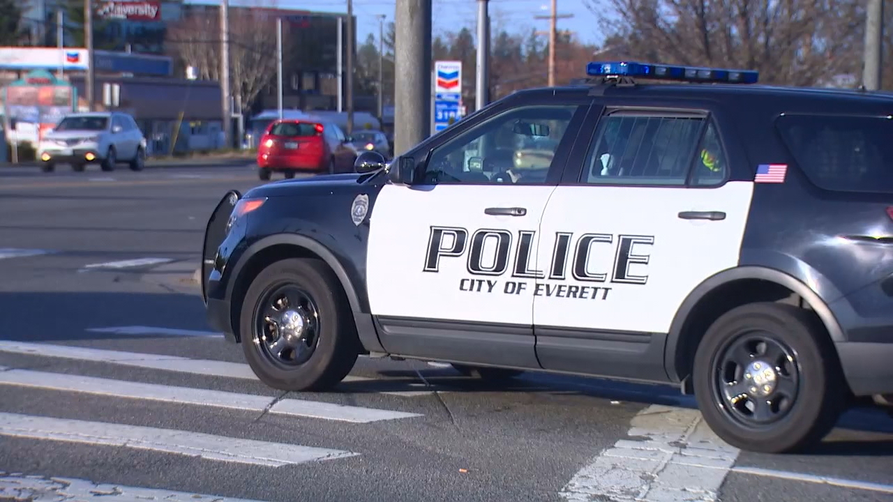Everett police are warning about pickpockets operating in the city. A person feels a bump or is distracted. And later someone discovers his credit card has been used. (Photo: KOMO News)
