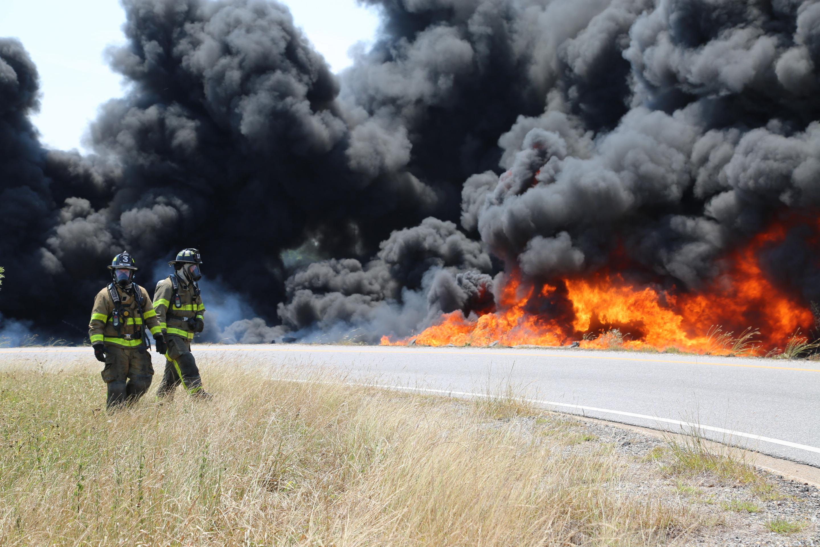 (image: Mobile Fire-Rescue) Overturned tanker truck causes giant fire I-10 at Virginia St.