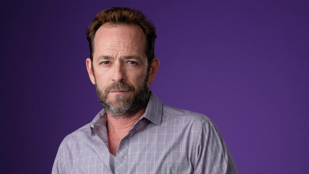 Luke Perry, heartthrob on '90210,' dies at 52 after stroke ...