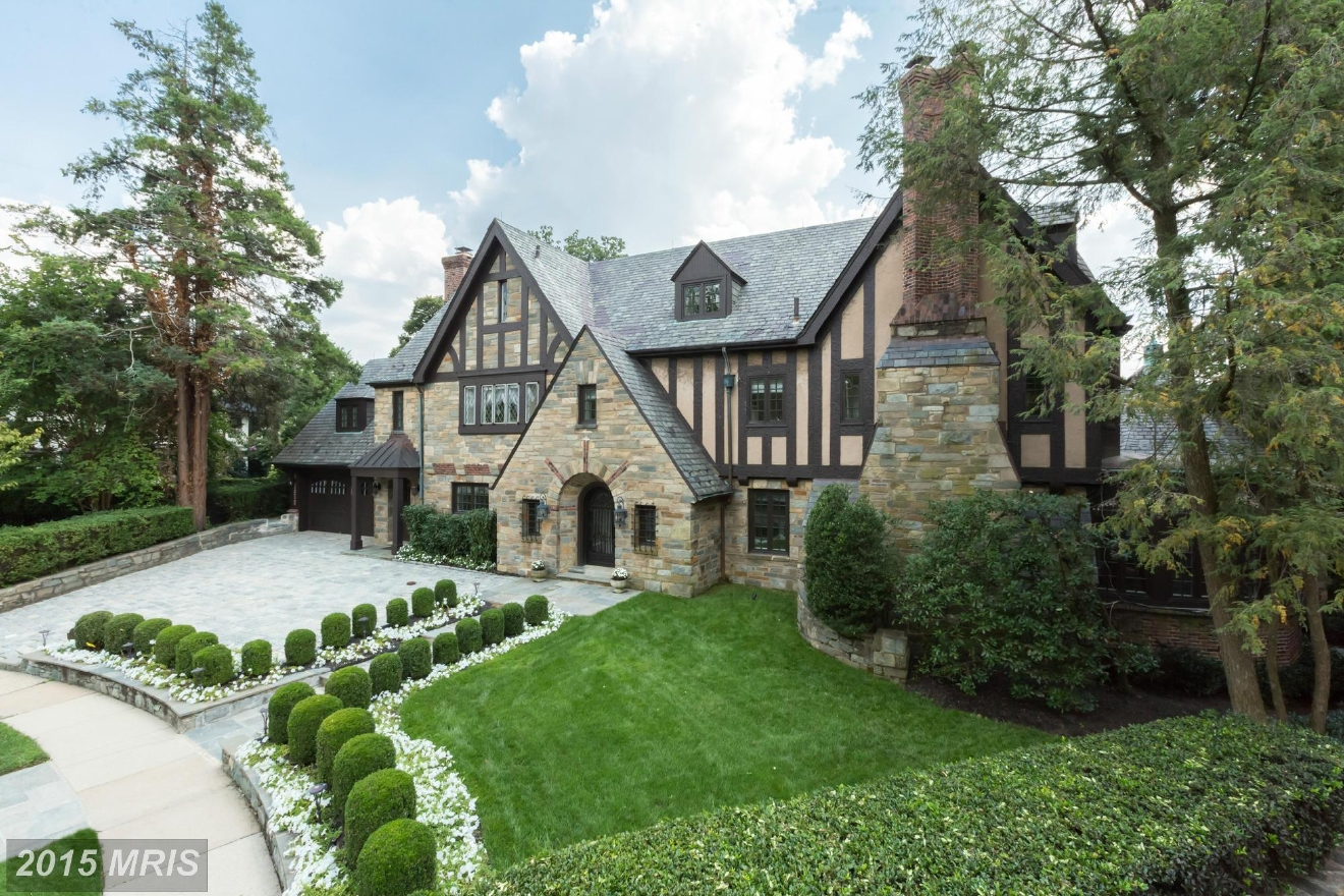 Built in 1929, this Massachusetts Heights Manor has six bedrooms and eight bathrooms (seven full, one half). Listed for $$6,749,000, it sold in September for $5.8M. TTR Sotheby's represented the seller and Beasley represented the buyer. (Image: Courtesy MRIS)