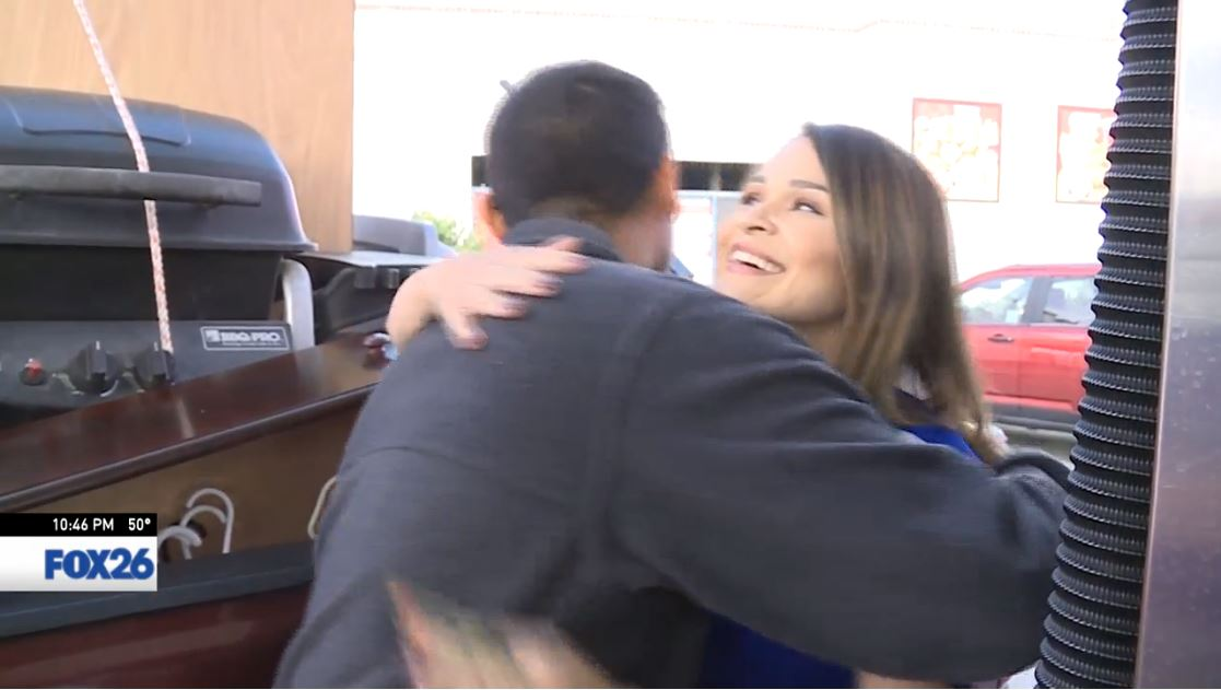 Mario gets a free tank of gas and a big hug from Sophia