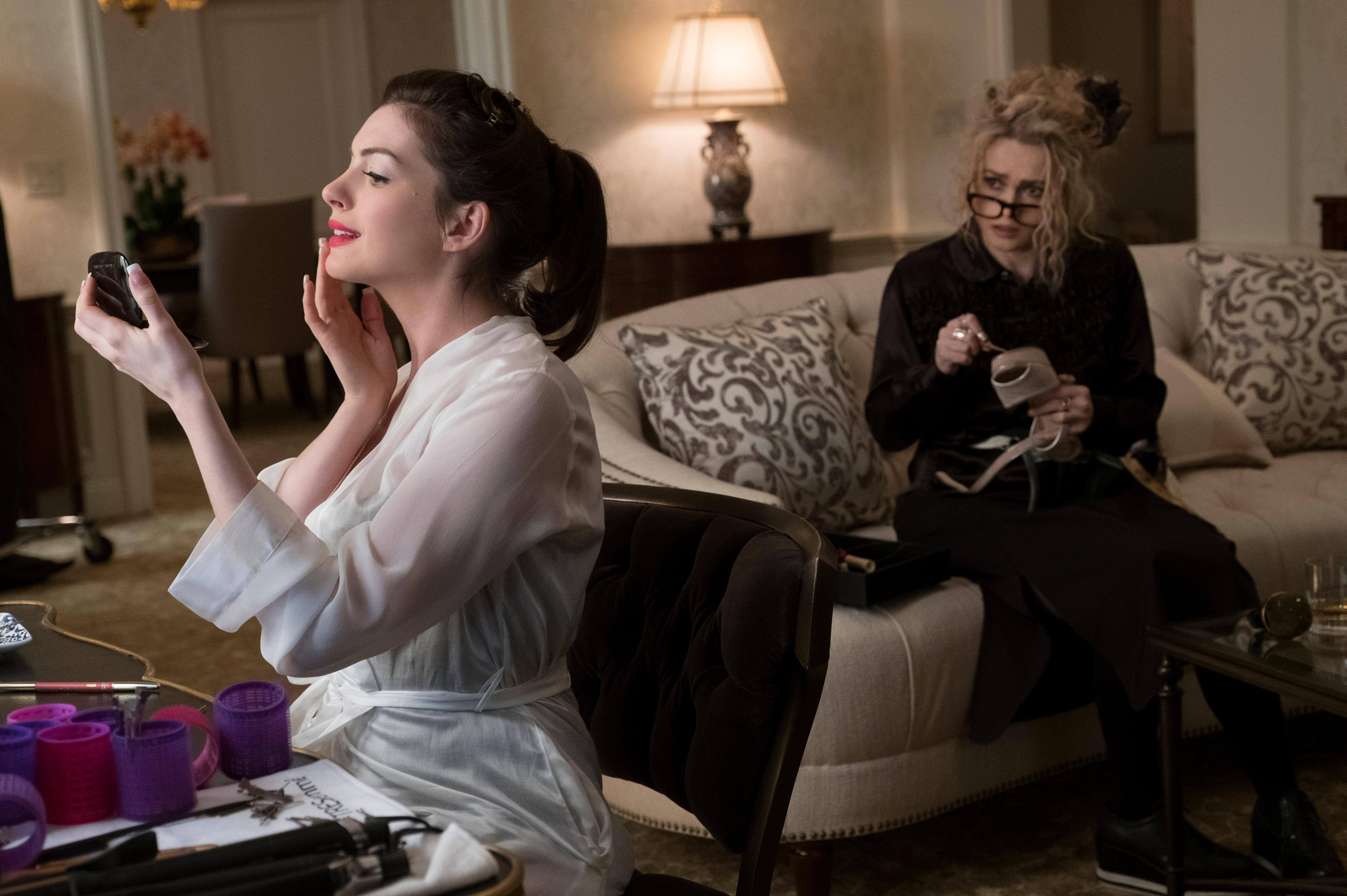 "(L-R) ANNE HATHAWAY as Daphne Kluger and HELENA BONHAM CARTER as Rose in Warner Bros. Pictures' and Village Roadshow Pictures' ""OCEANS 8,"" a Warner Bros. Pictures release.{ }(Photo: Barry Wetch / Warner Bros.)"