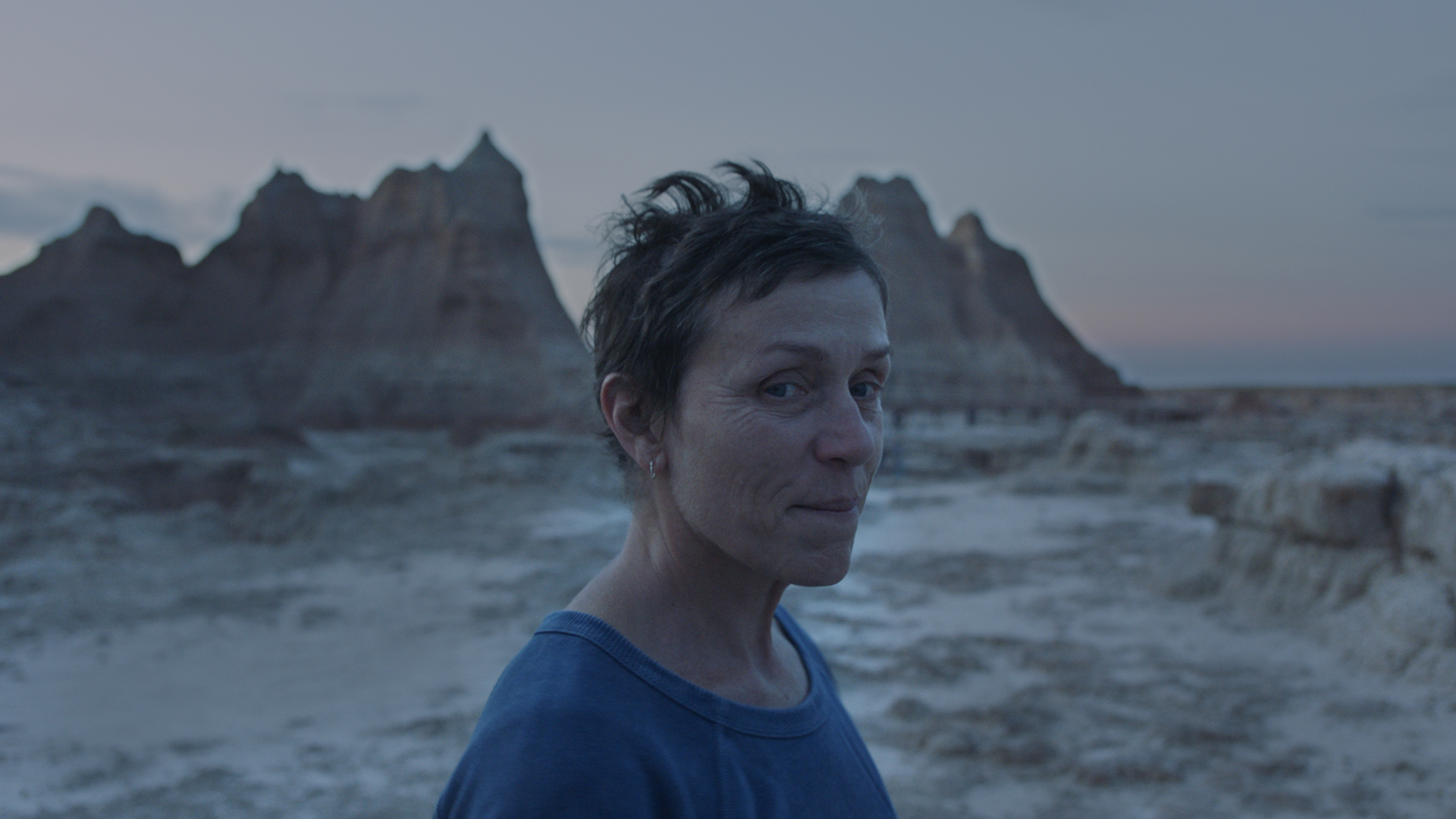 Frances McDormand in the film NOMADLAND. (Photo Courtesy of Searchlight Pictures 2020 20th Century Studios All Rights Reserved)