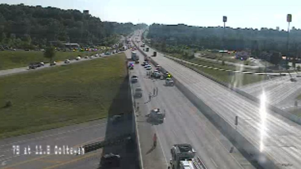 Accident closes I-75 northbound near Ooltewah Friday night