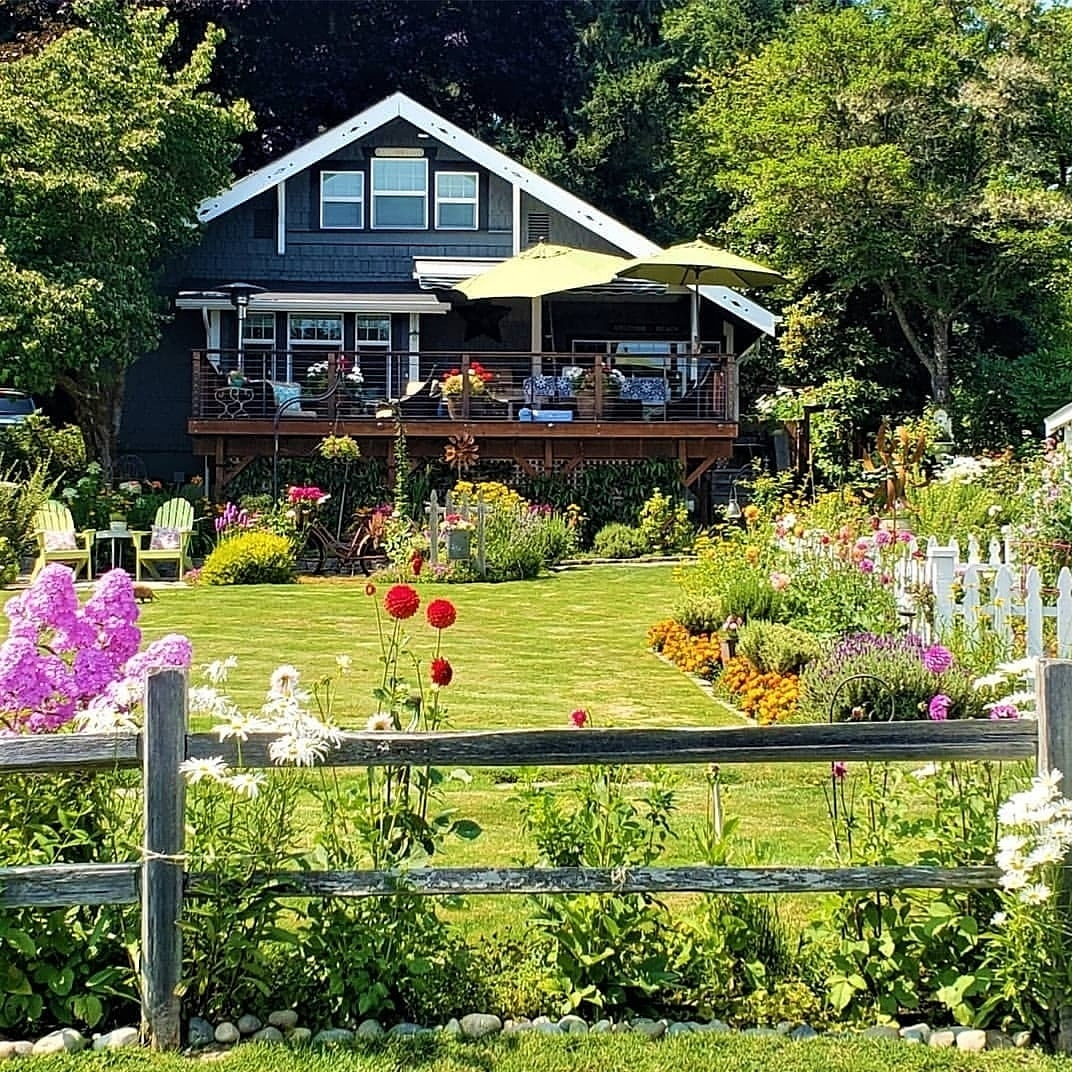 Kim Robinson's 100 year old home is full of charm, and the grounds and garden are just as cute. (Photo: Kim Robinson)