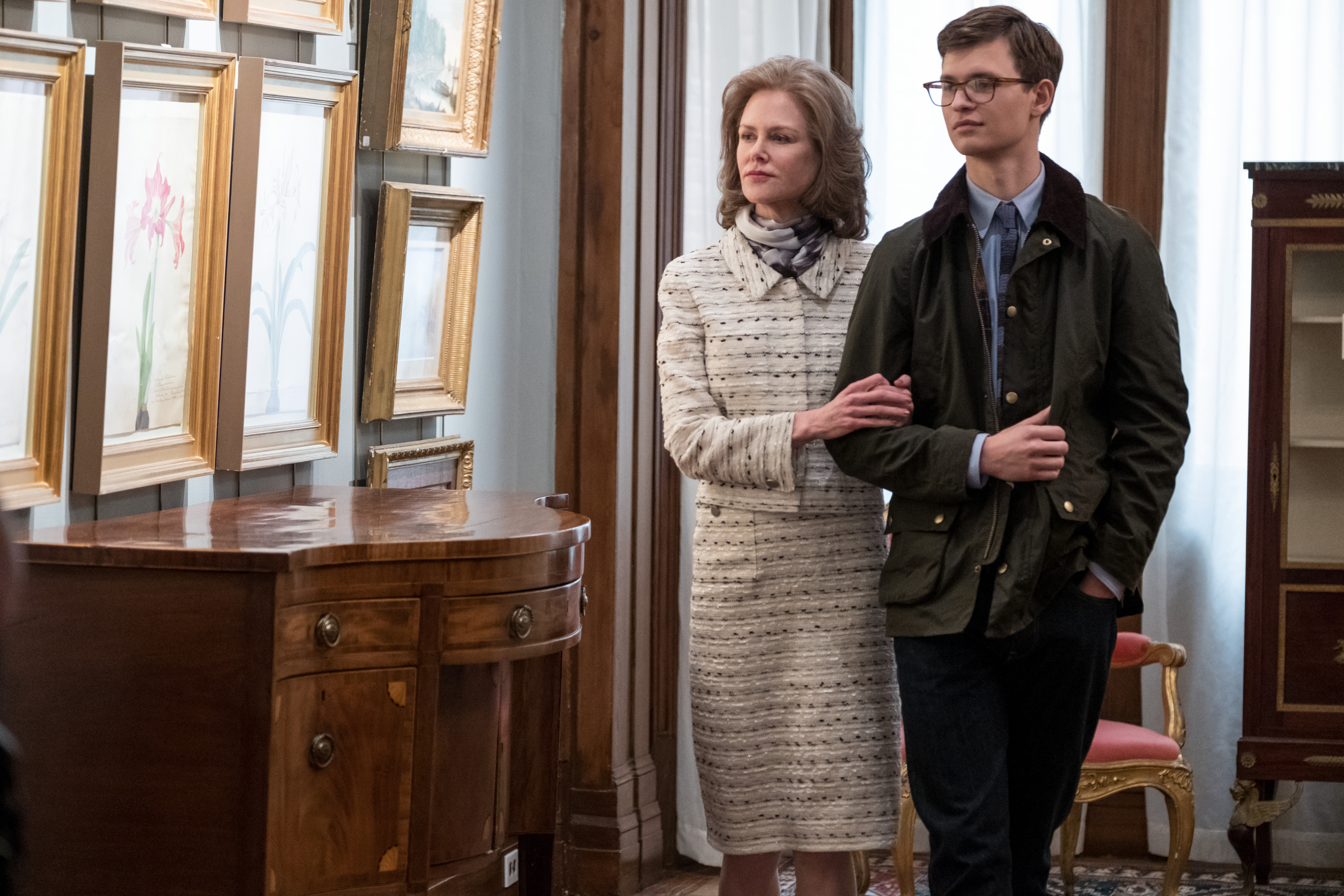 (L-r) NICOLE KIDMAN as Mrs. Barbour and ANSEL ELGORT as Theo Decker in Warner Bros. Pictures' and Amazon Studios' drama, THE GOLDFINCH, a Warner Bros. Pictures release.{ }(Image: Warner Bros)