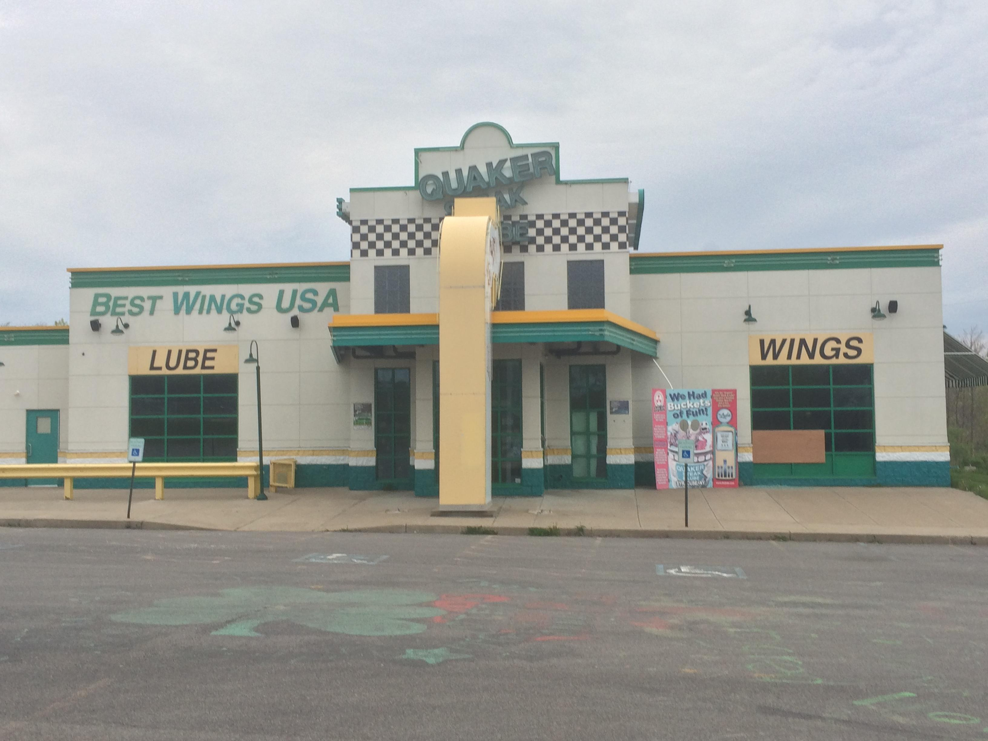 The Quaker Steak & Lube has held up on the outside, inside is a different story. (Brett Hall/CNYCentral.)