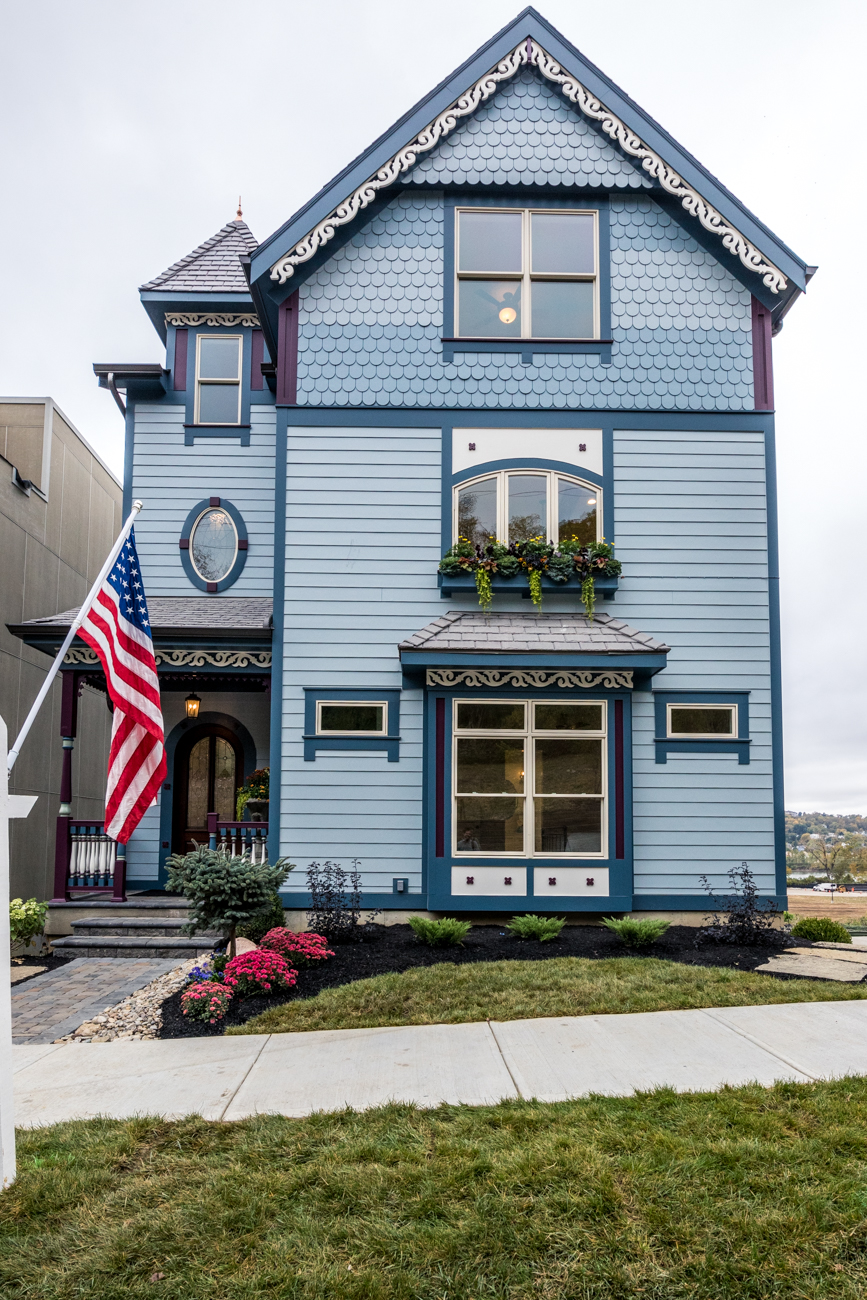 The Royal Blue by Redknot Homes / ADDRESS: 2891 Walworth Avenue / 4,500 square feet / Image: Catherine Viox // Published: 10.16.20