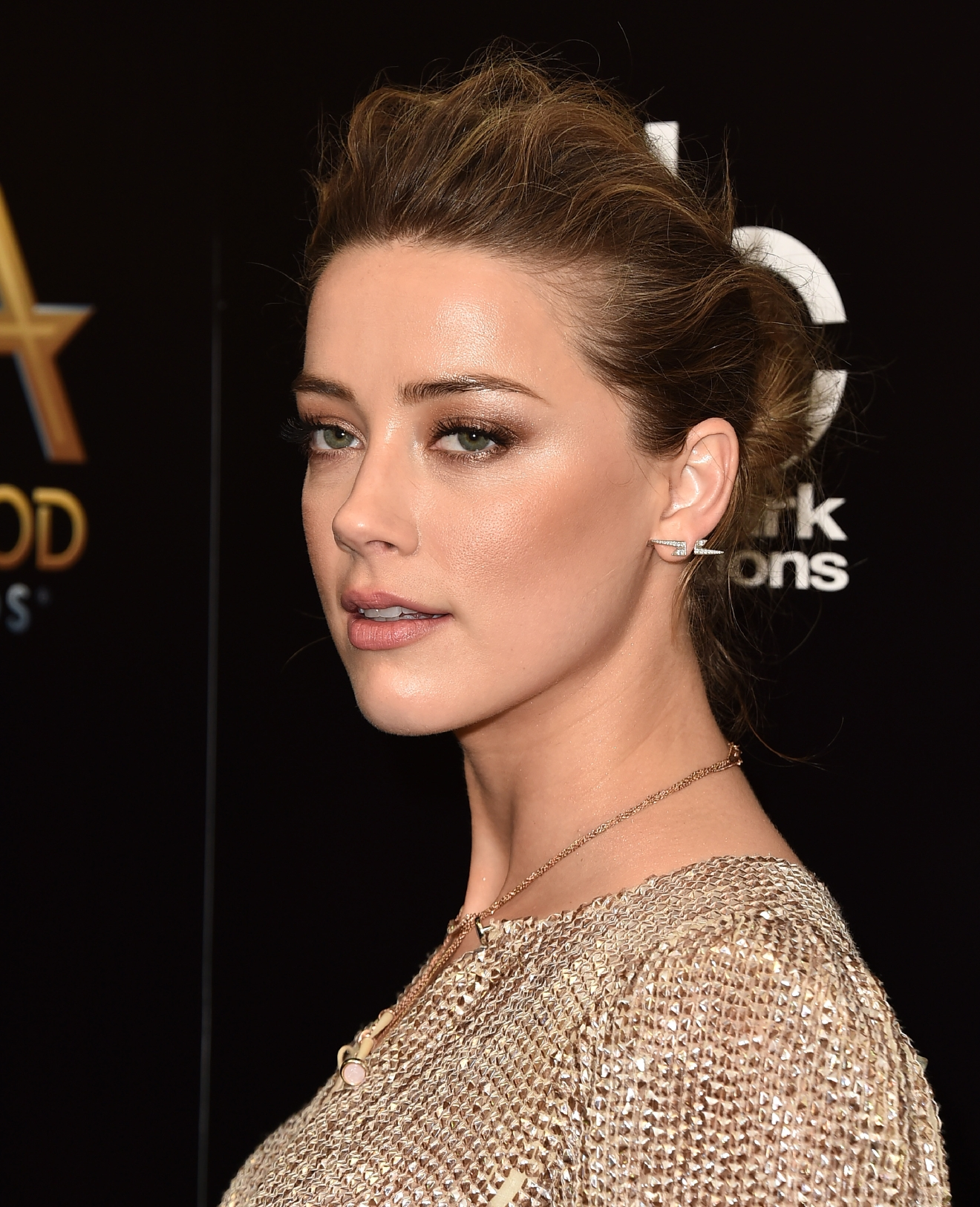 Amber Heard poses in the press room at the Hollywood Film Awards at the Beverly Hilton Hotel on Sunday, Nov. 1, 2015, in Beverly Hills, Calif. (Photo by Jordan Strauss/Invision/AP)
