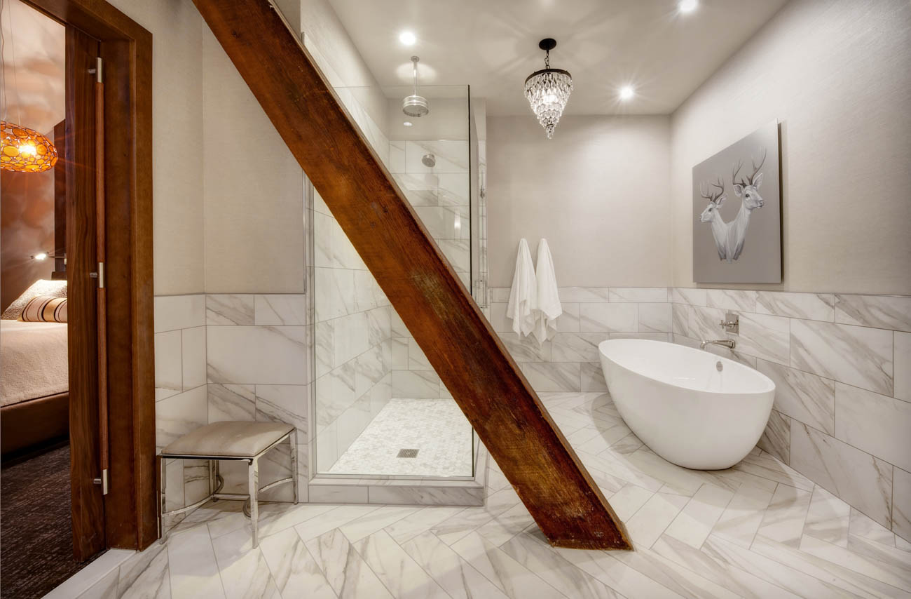 A bathroom at the Crawford Hotel / Image courtesy of Denver Union Station // Published: 1.18.19