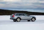 203101_Volvo_V90_Cross_Country.jpg