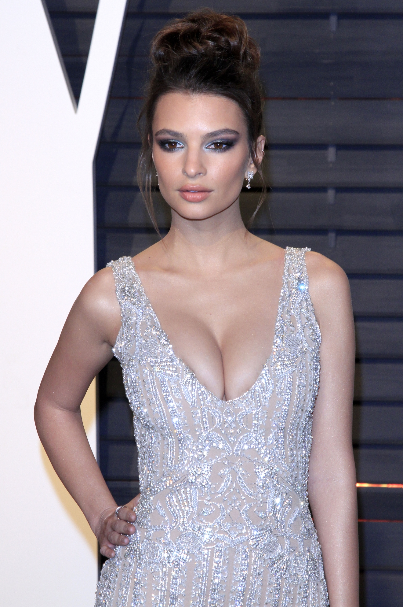 Vanity Fair Oscar Party 2017 in Beverly Hills  Featuring: Emily Ratajkowski Where: Beverly Hills, Kalifornien, United States When: 26 Feb 2017 Credit: Dave Bedrosian/Future Image/WENN.com  **Not available for publication in Germany**