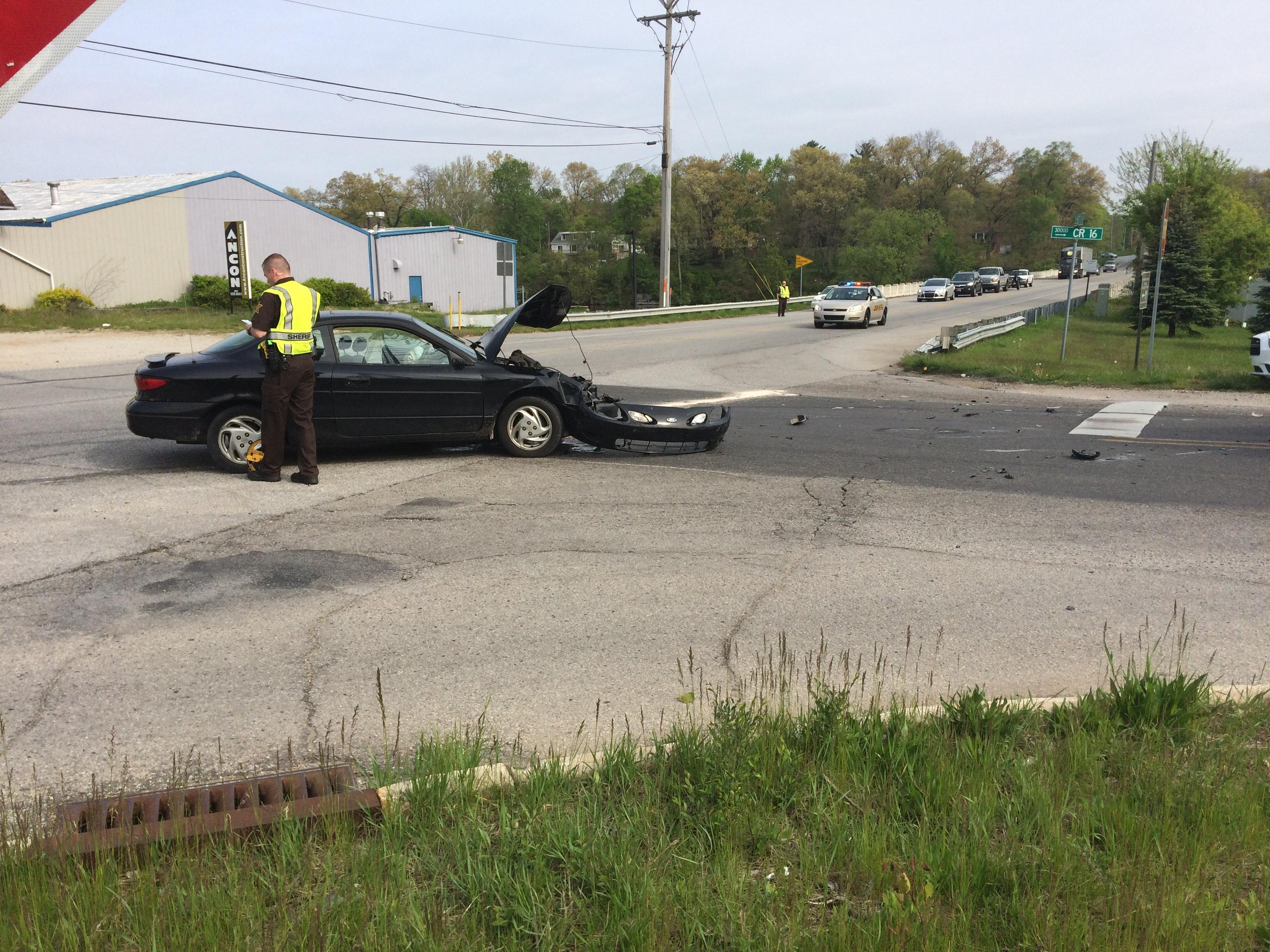Emergency personnel respond to a crash in Elkhart County. // WSBT 22 photo