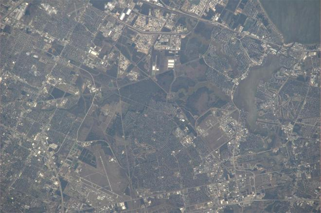 Houston Clearlake area.  You can see NASA Johnson Space Center in the photo (Photo & Caption courtesy Koichi Wakata (@Astro_Wakata) and NASA)