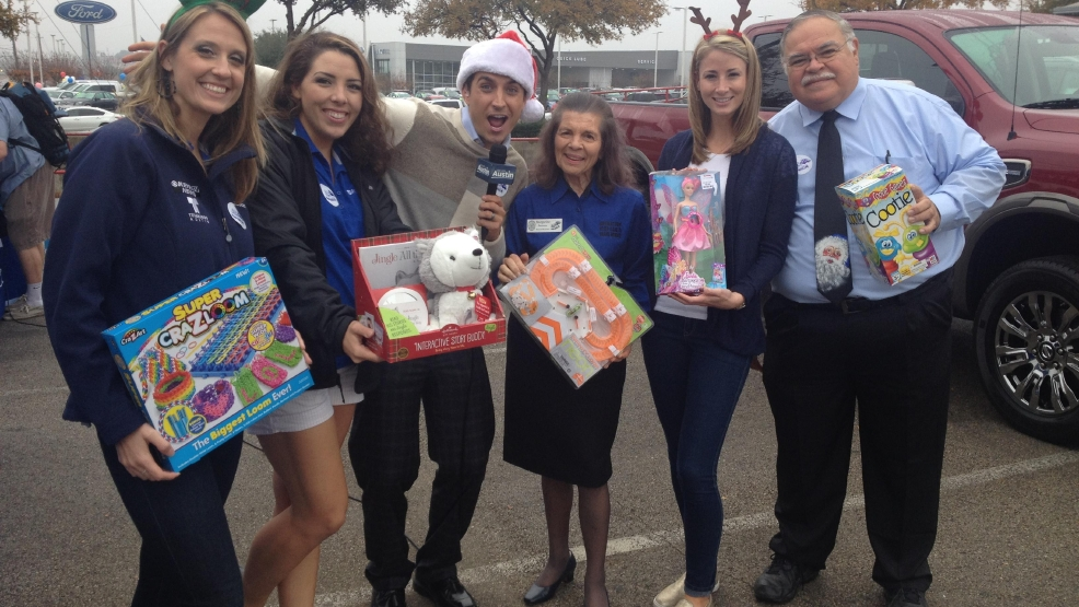 Clay Cooley Nissan >> Slideshow Day Of Giving At Clay Cooley Nissan Keye