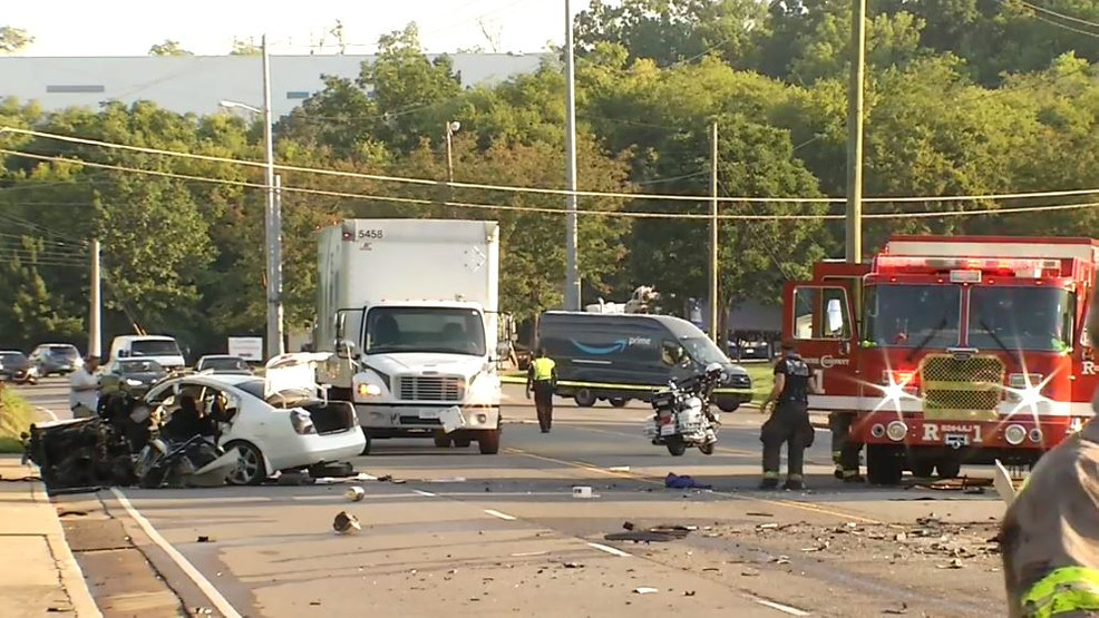 Driver suffers life-threatening injuries after crash with box truck in Nashville