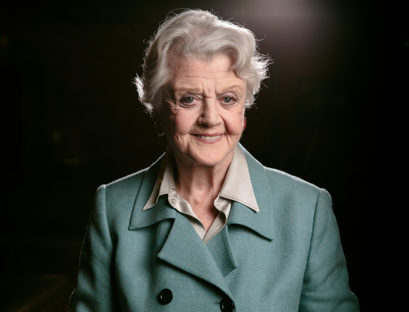 "FILE - In this Dec. 5, 2014 filephoto, Angela Lansbury poses for a portrait during press day for ""The Blythe Spirit"" at the Ahmanson Theatre in Los Angeles. Lansbury will serve as a presenter for this year's Tony Awards, help Sunday, June 12, at the Beacon Theatre in New York. (Photo by Casey Curry/Invision/AP, File)"