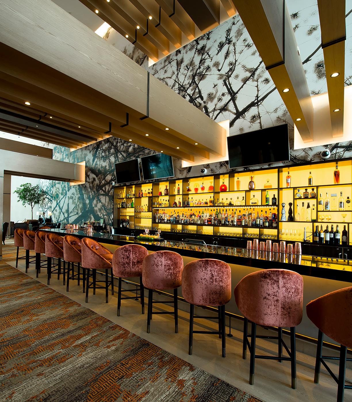 MGM National Harbor Hotel Lobby Bar (Image: Ronald Beverly)<p></p>