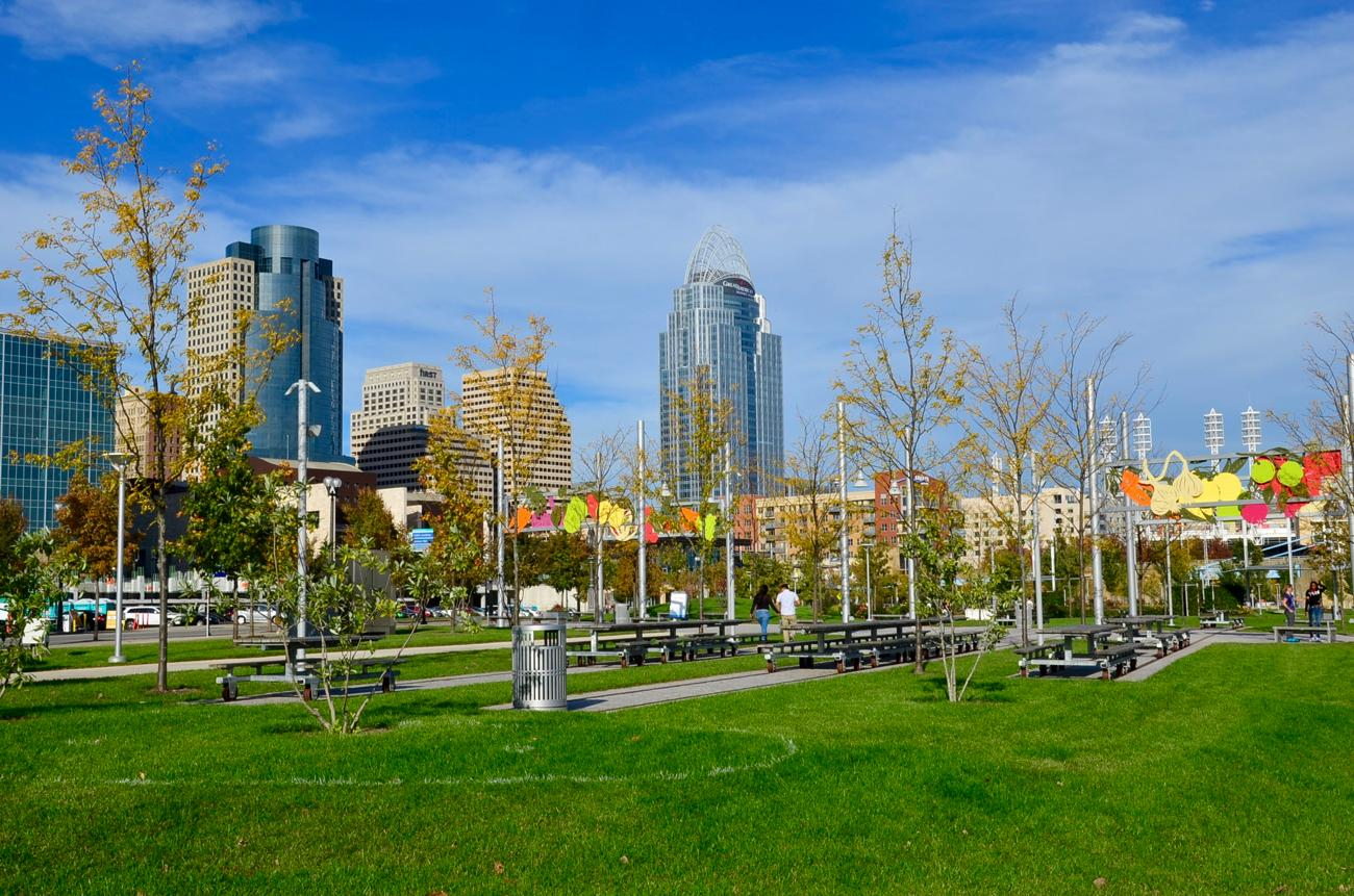 Smale Park is a 44-acre park located on the riverfront between Great American Ball Park and Paul Brown Stadium. Its features include a playground, splash areas, swings, life-size chess, and plenty more. / Image: Leah Zipperstein, Cincinnati Refined // Published: 10.31.17