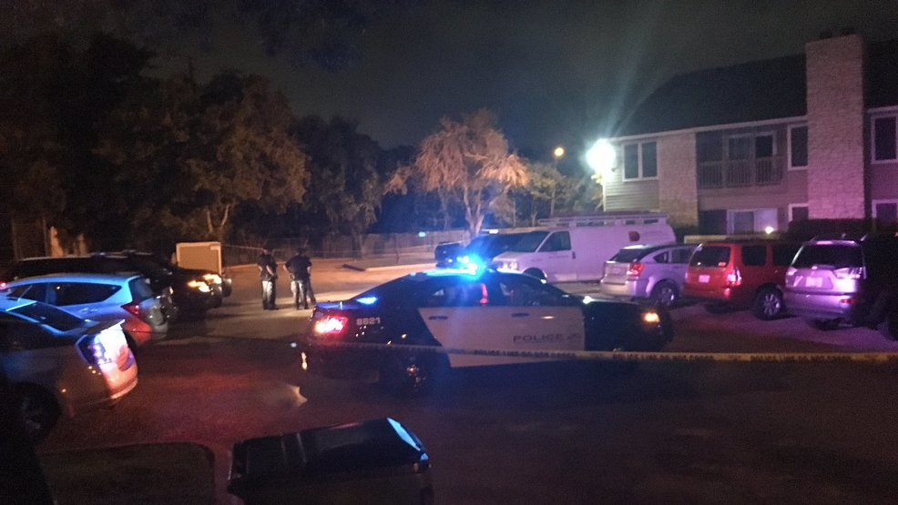 Two Men Shot In S Austin Suspect On The Loose