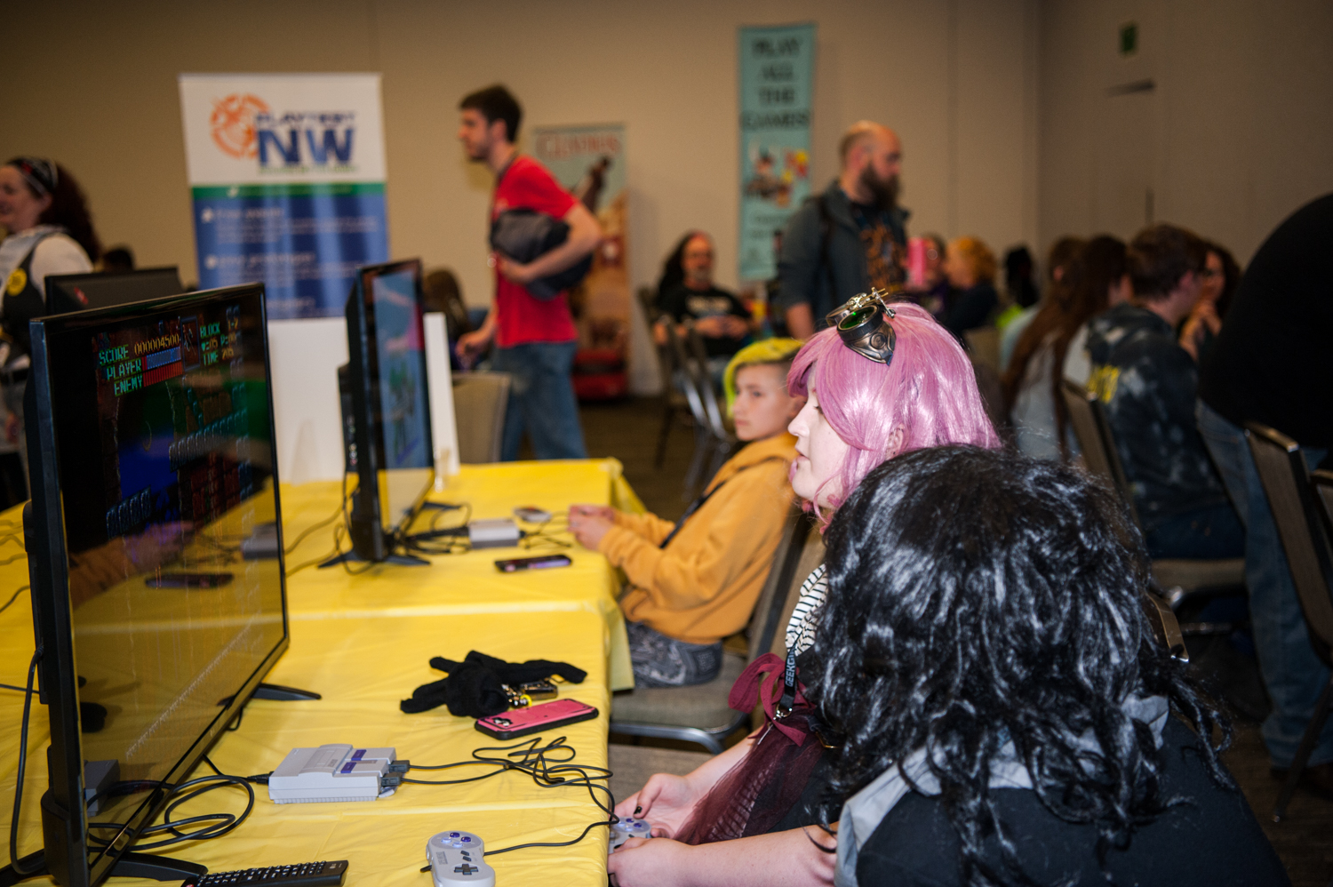 More than 12,000 people celebrated GeekGirlCon in downtown Seattle at the Conference Center this past weekend, an event dedicated to empowering women, girls, and non-binary geeks to pursue their passions — whether they love science and technology, comics, literature, gaming, or anything else. GGC believes everybody is a geek at heart, in one way or another, and we need to ensure all these geeks are supported, welcomed, and encouraged to pursue what they love. (Image: Elizabeth Crook / Seattle Refined)