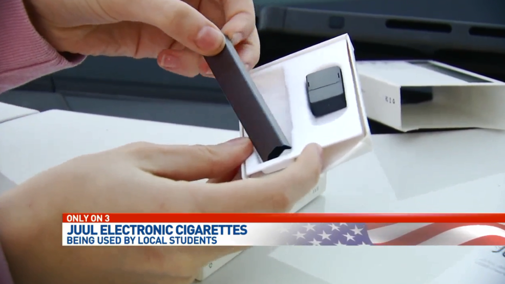 Vaping device popular amongst teens can pass for a memory