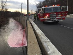2,800 gallons of heating oil spills into the Jones Falls after tanker overturns on NB 83 (Credit: Jason Beran)