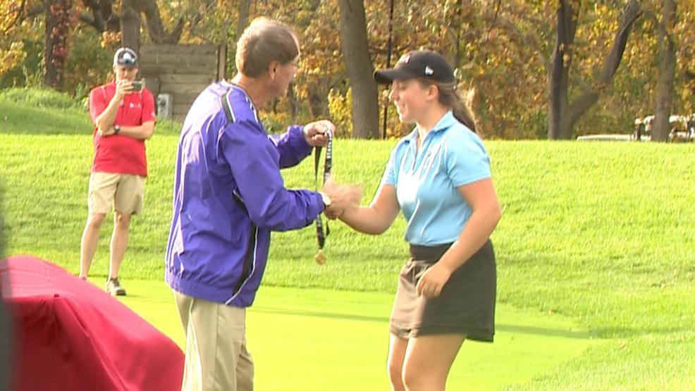 Baranczyk, Phakamad win individual state golf titles