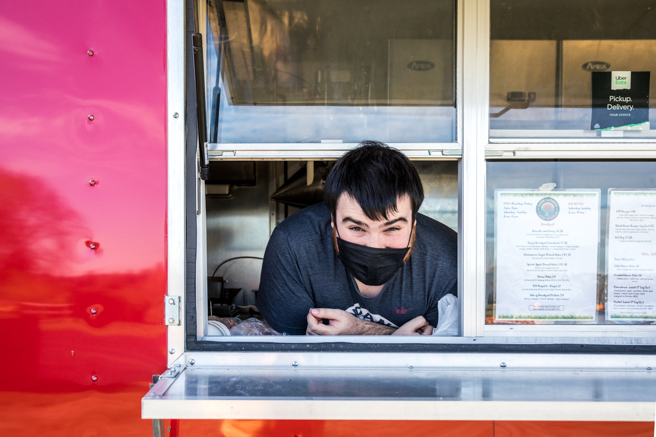 Ian, a cook on the food truck / Image: Catherine Viox{ }// Published: 11.5.20