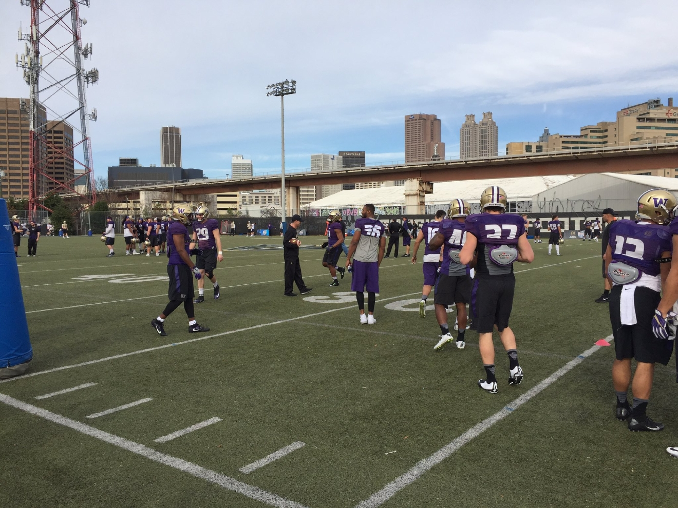 Huskies practice to face Alabama in the Peach Bowl in Atlanta, Dec. 28, 2016 (Photo: KOMO News)