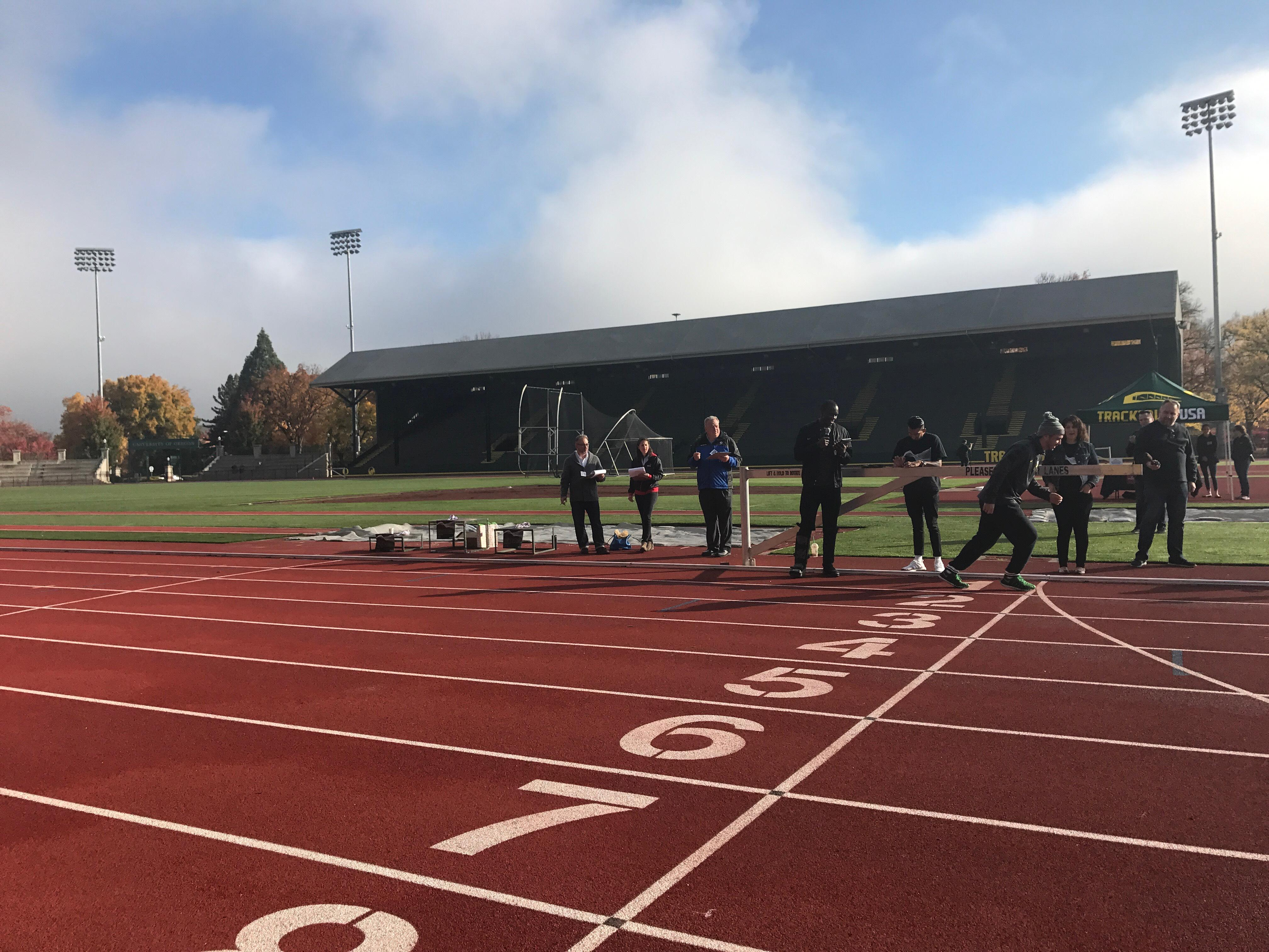 Student starts his 400 meter race for the Quack Track Pitch on October 27th, 2017. at Hayward Field in Eugene, Ore.{&amp;nbsp;}{&amp;nbsp;}<p></p>