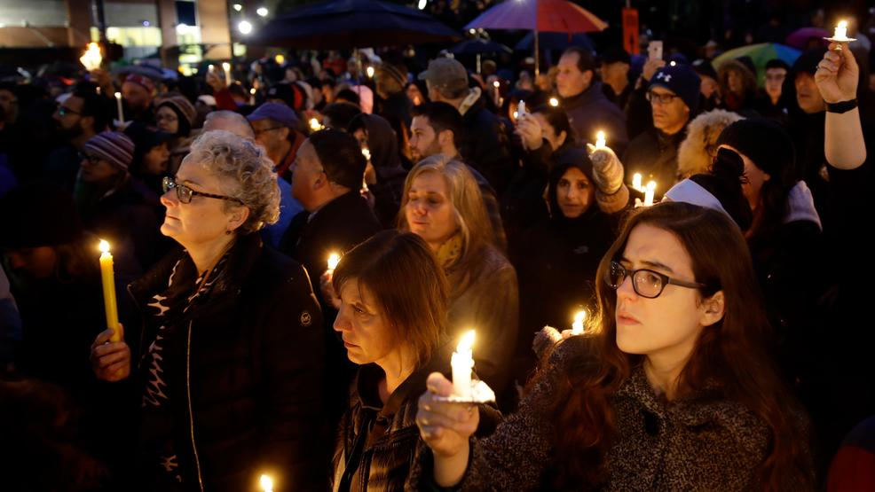 Pittsburgh synagogue vigil close AP17.jpg