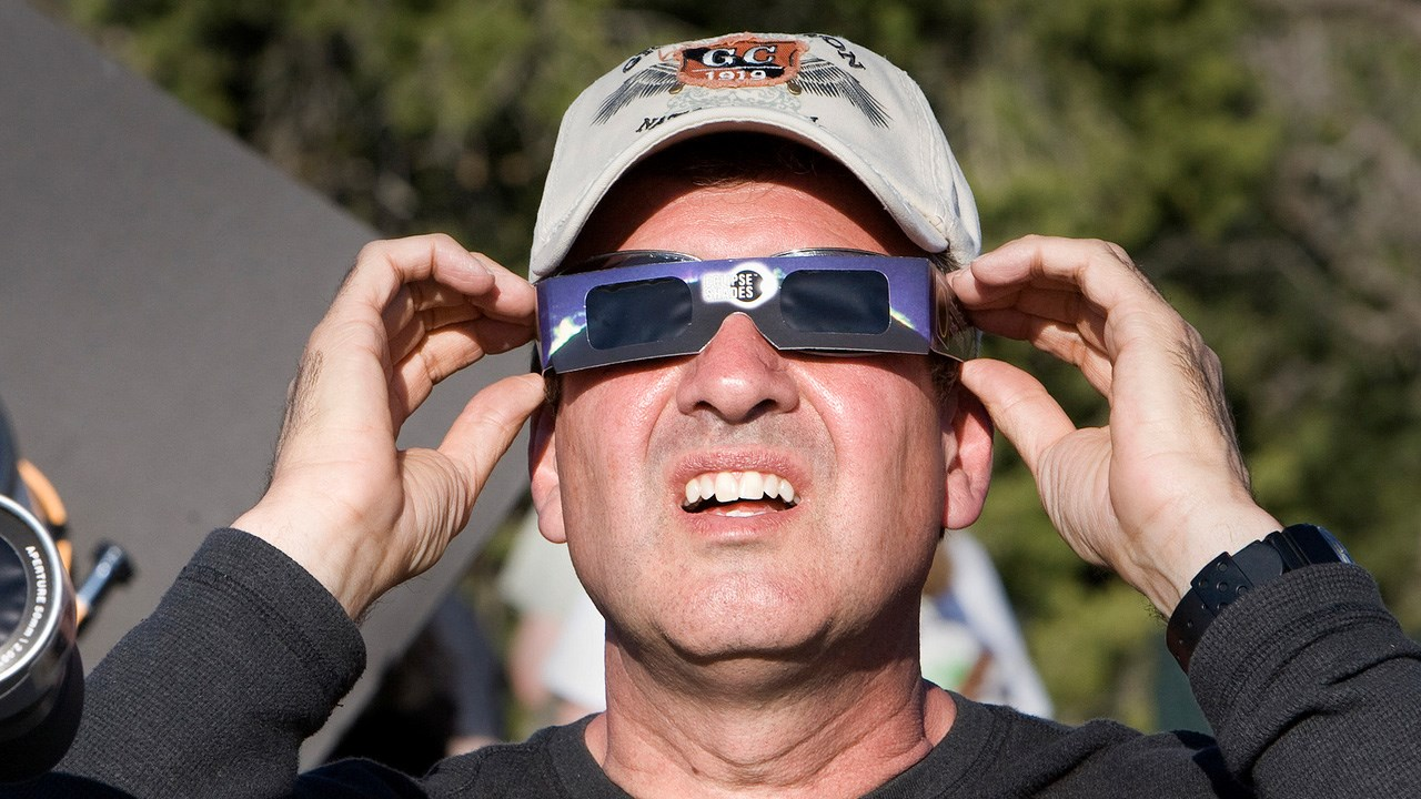 Photo: Solar Eclipse Glasses, Photo Date: 5/20/12 Grand Canyon National Park / CC BY 2.0 via MGN