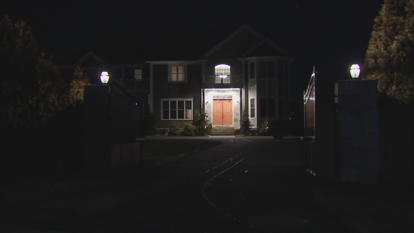 Foxborough police investigate a reported burglary at the home of New England Patriots tight end Rob Gronkowski. (WBTS)