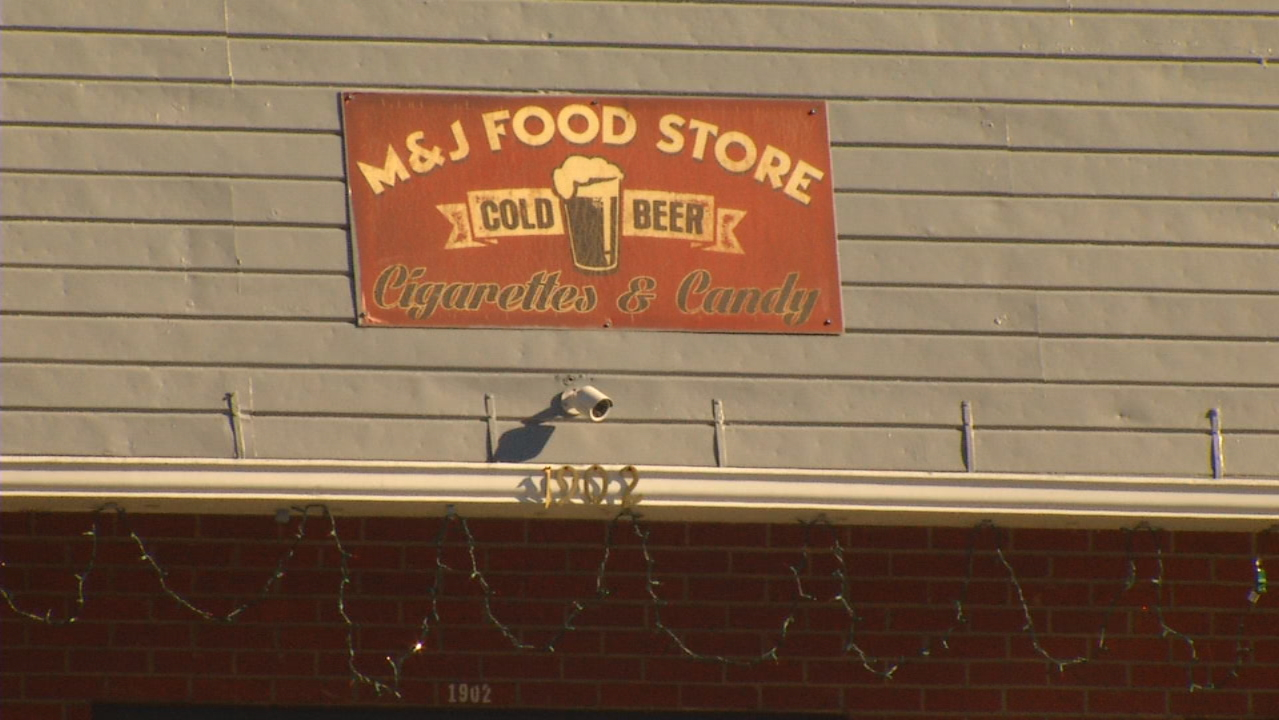 Employees at the M&J Food Store on Old Haywood Road said the break-in happened about 9:30 p.m. Sunday. (Photo credit: WLOS staff)