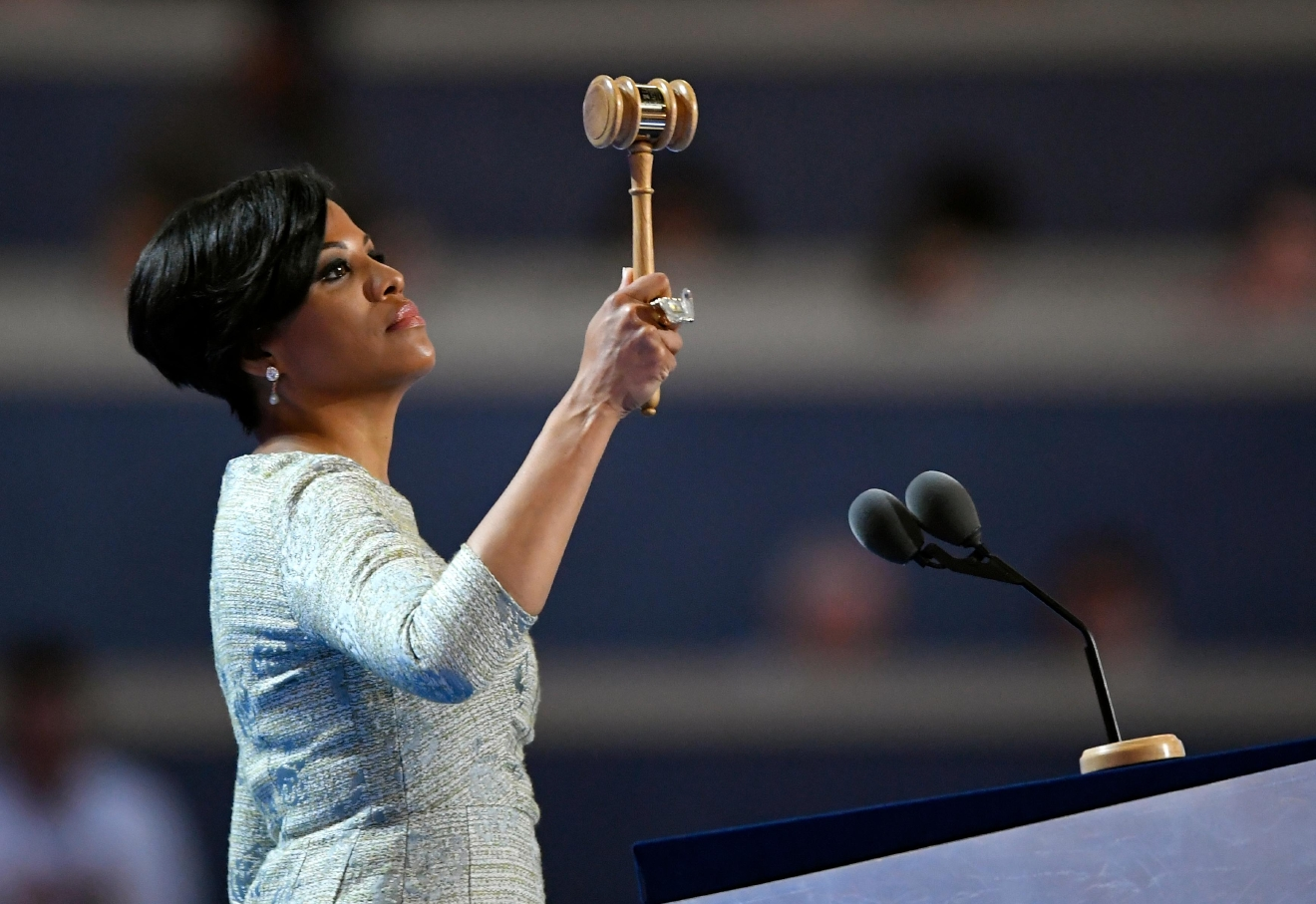Baltimore mayor Stephanie Rawlings-Blake raises the gavel as she calls the convention to order during the first day of the Democratic National Convention in Philadelphia , Monday, July 25, 2016. (AP Photo/Mark J. Terrill)