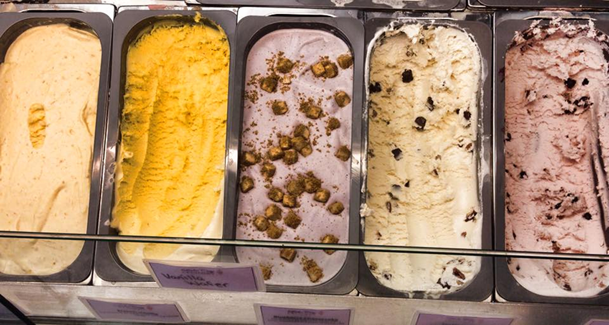 From left to right:{ }Peach, French Vanilla, Blueberry Cheesecake, Turtle Toffee and Strawberry Chocolate Cookie Dough ice creams / Image courtesy of Lake City Creamery // Published: 8.22.18