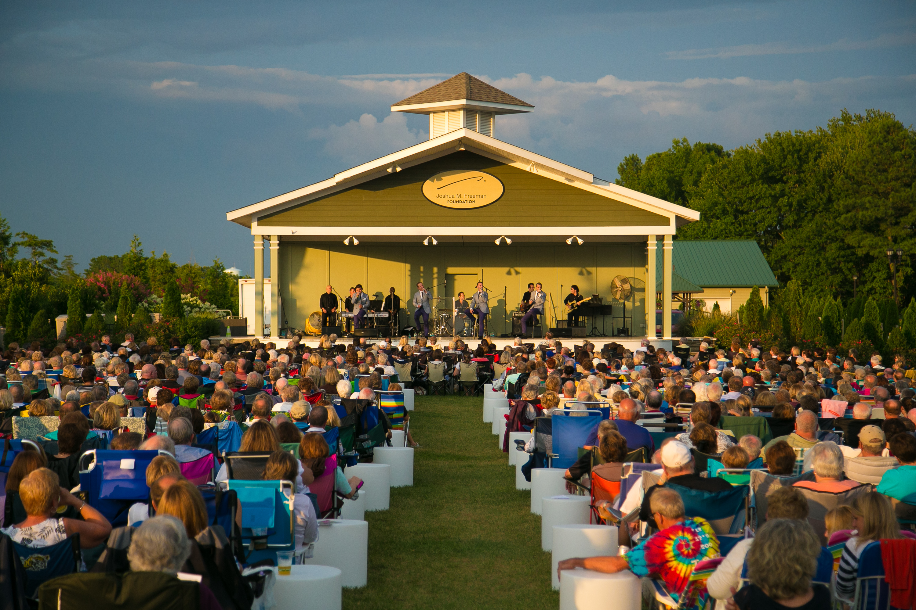 Enjoy some live music at the Freeman Stage (hosting Bruce Hornsby, Boyz II Men and Pat Benatar) in nearby Selbyville.{ }(Image: Courtesy VisitDelaware.com)