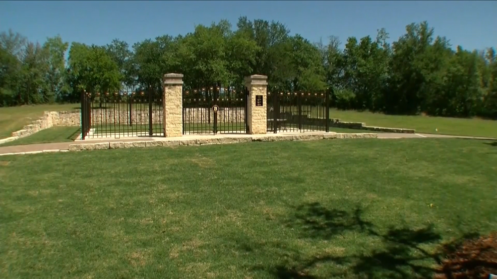 George H W Bush S Presidential Library Back Open After His Burial