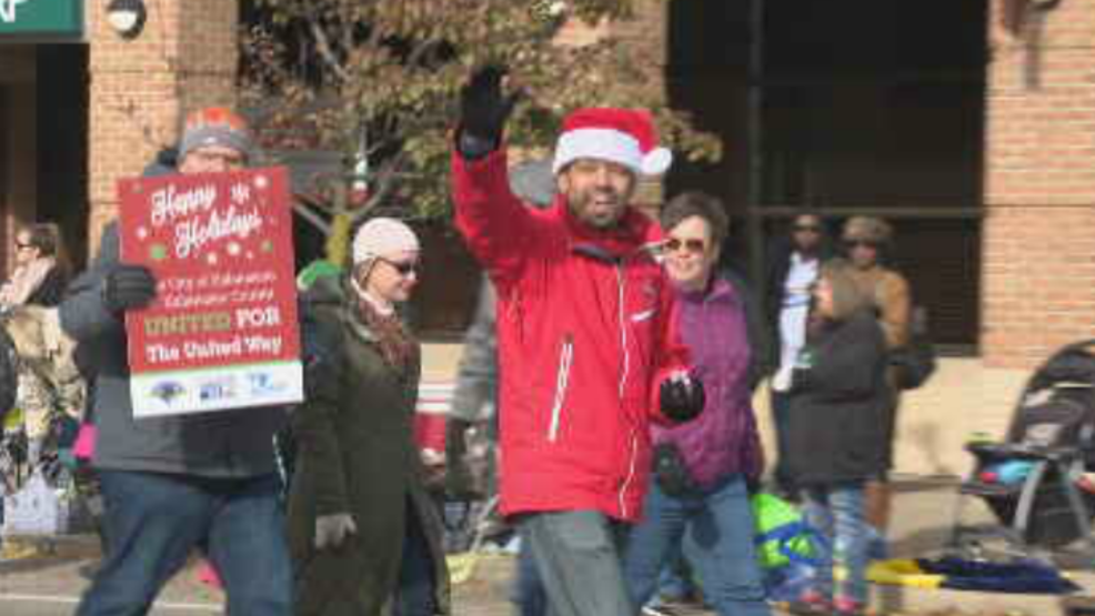 Hundreds come out for the 56th annual kalamazoo holiday for Loaves and fishes kalamazoo