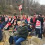 CWA workers hold rally for jobs at Frontier