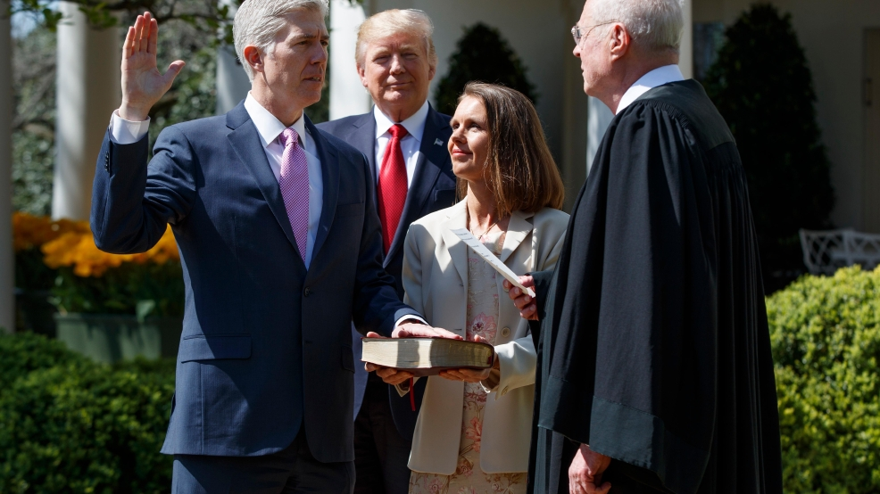 Neil Gorsuch 2nd oath with Justice Kennedy.jpg