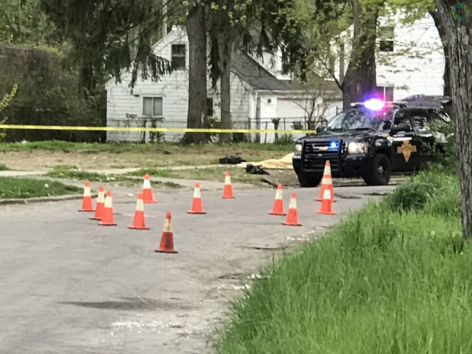 Flint and Michigan State Police arrived to a scene on Milbourne avenue near the corner of Paterson street around 7:30 p.m. Wednesday in which an adult and a young child were shot. (Photo: Drew Moore/WEYI/WSMH)
