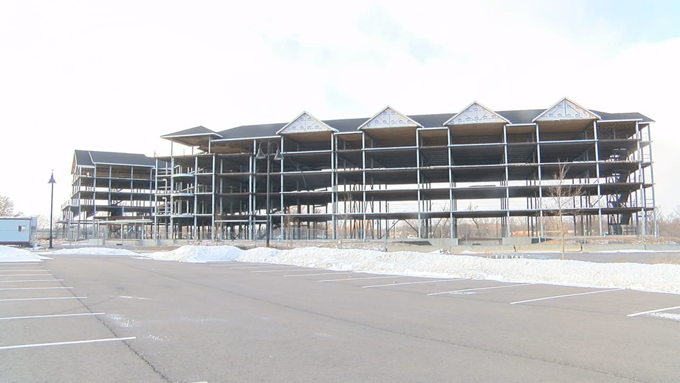 Work restarts on stalled Canandaigua Finger Lakes Resort